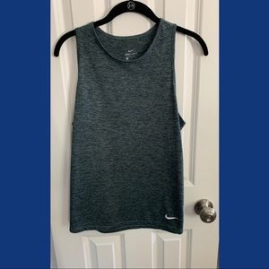 Like new, heather gray Nike Dryfit Tank. Size M.